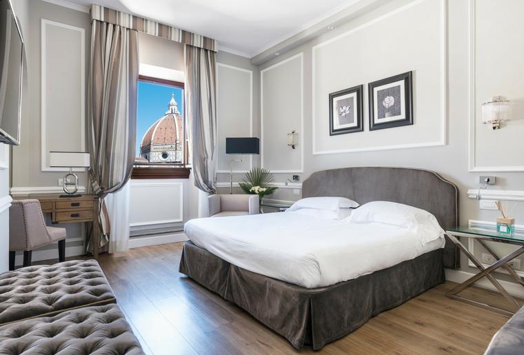 soggiorno in camera Prestige vista Duomo per weekend romantico a Firenze