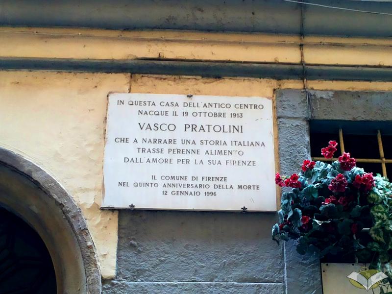 Targa casa Vasco Pratolini - Passeggiata letteraria - Firenze, Italia