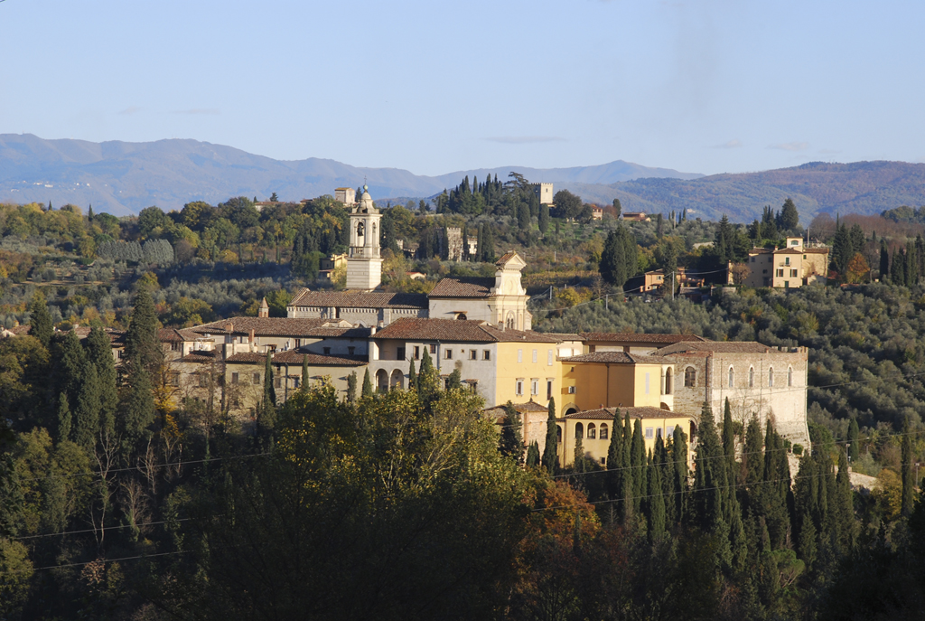 sentiero trekking fra Toscana e Lazio alla certosa di Firenze