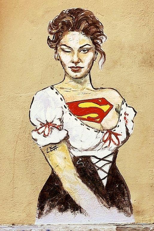 La street art di #LeDiesis che celebra le superdonne: Sofia Loren (Via delle Caldaie)