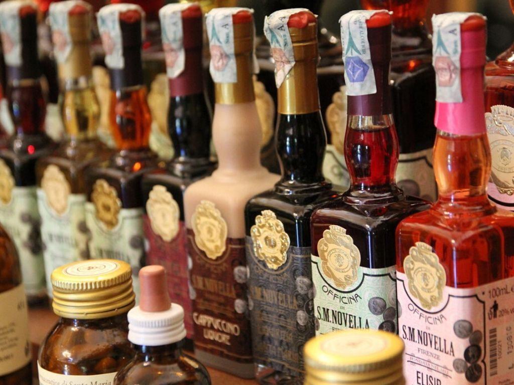 profumi, saponi, cosmetici, candele e distillati: prodotti che hanno secoli di vita